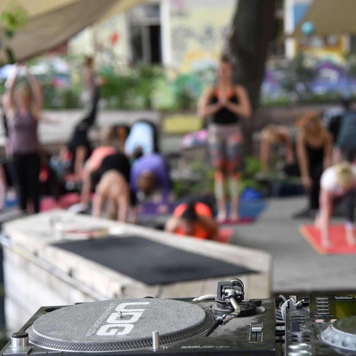 Nightdive Deep House Vinyasa Flow Yoga Berlin