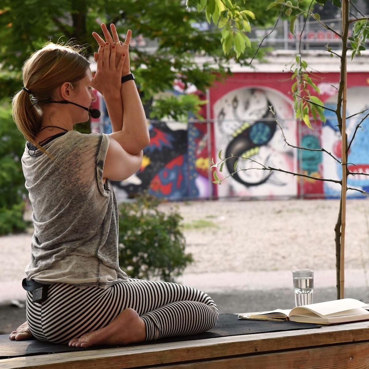 Nightdive Deep House Yoga Frauke Schroth
