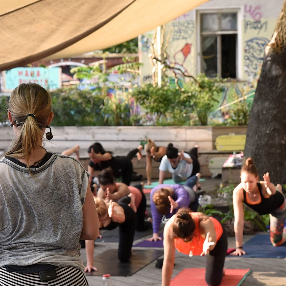 Nightdive Deep House Yoga in Berlin