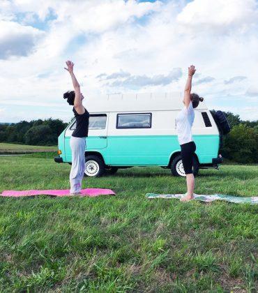 Yoga mit dem Yogimobil #drivestopyoga