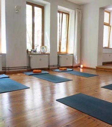 Kleine, geile Yogastudios in Berlin: Yoga W60 im Prenzlauer Berg