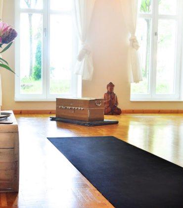 Kleine, geile Yogastudios in Berlin: Akasha Yoga in Niederschönhausen