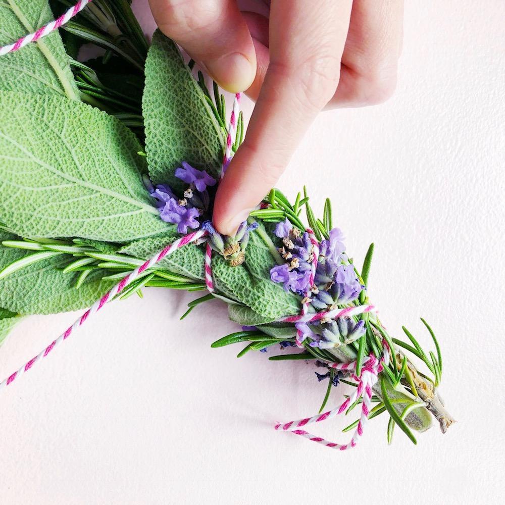Räucherbündel selber machen Lavendel