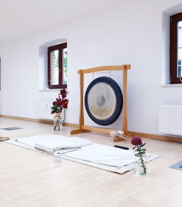 Kleine, geile Yogastudios in Berlin: Yoga Delta in Mitte