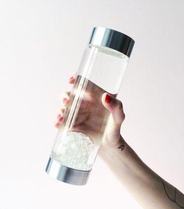 Edelsteinwasser to go – Vitajuwel ViA Luna mit Mondstein