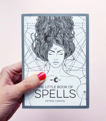 Buchtipp: The Little Book of Spells