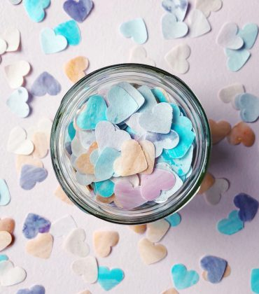 Herzchen Badekonfetti selber machen mit Tonka Benzoe Duft
