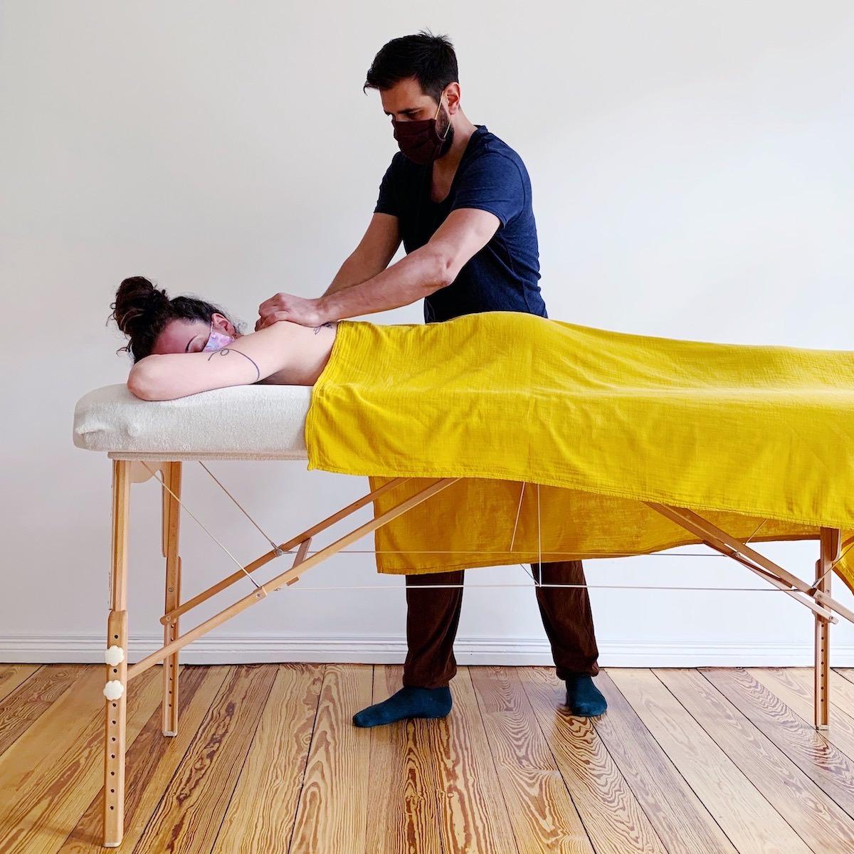Massage Corona