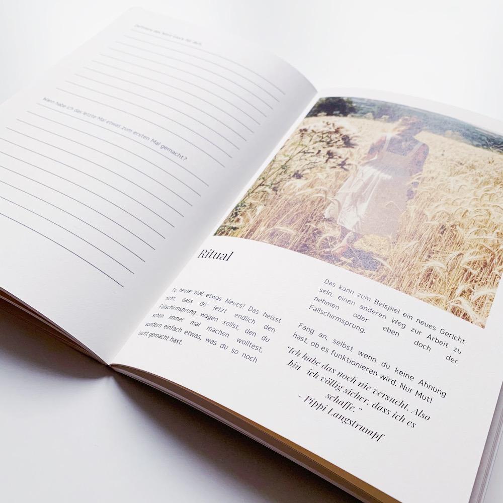 Das Rauhnächte Tagebuch von Sarah Helfen